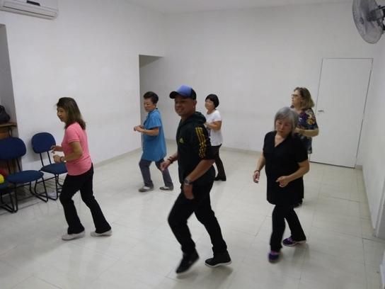 952d38b518 A Academia Dançando na Lua – Escola de Dança oferece aulas de dança de salão
